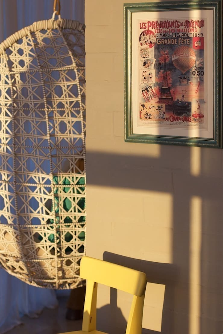 Дом на набережной: Tерраса в . Автор – PerfectHome,