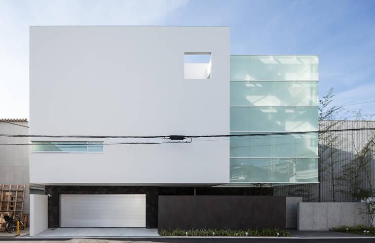 姫島の家: Abax Architectsが手掛けた一戸建て住宅です。