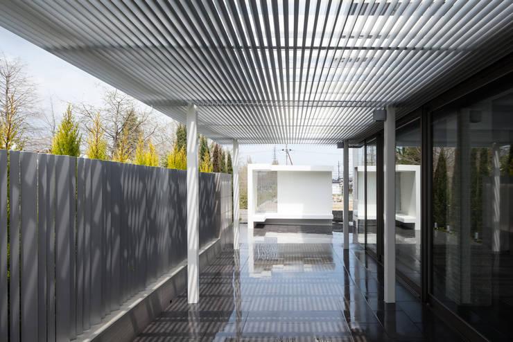 青山の家: Abax Architectsが手掛けた庭です。,モダン