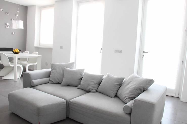 Projekty,  Salon zaprojektowane przez Elisa Rizzi architetto