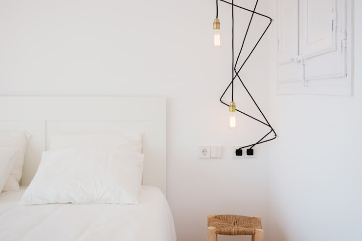 modern Bedroom by LF24 Arquitectura Interiorismo