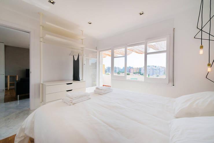 Habitaciones de estilo moderno por LF24 Arquitectura Interiorismo
