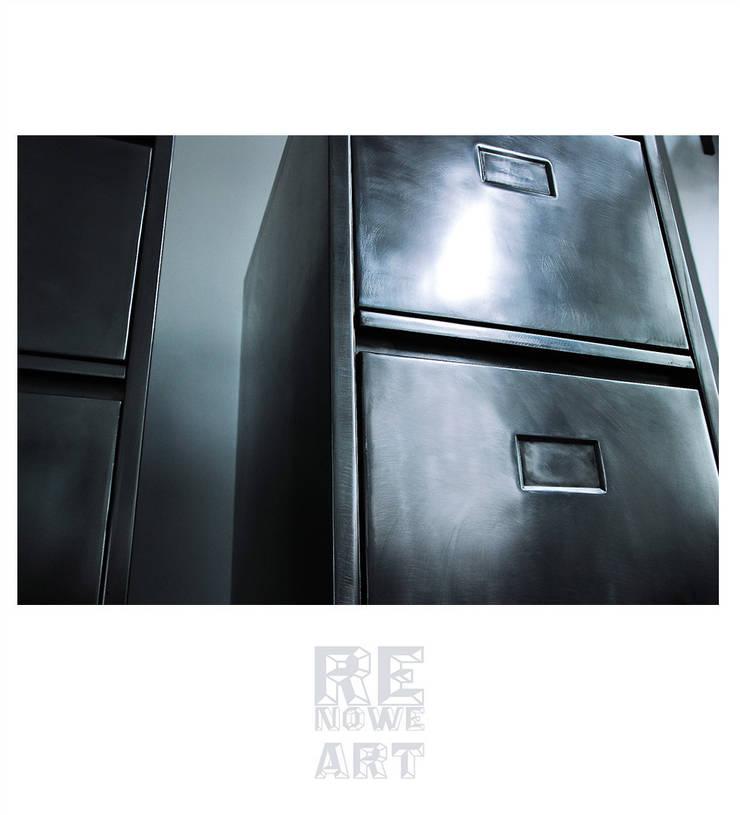 Kartotekowe metalowe szafki z lat'50 : styl , w kategorii  zaprojektowany przez ReNowe Art,Azjatycki