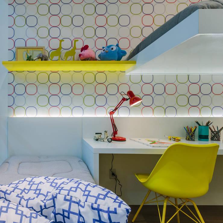 Apartamento Bela Vista: Quarto infantil  por STUDIO LN