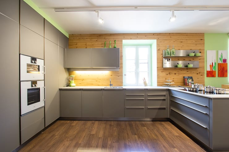 Projekty,  Kuchnia zaprojektowane przez Atelier für Küchen & Wohnkultur Laserer