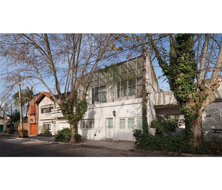 Casas de estilo  por IR arquitectura