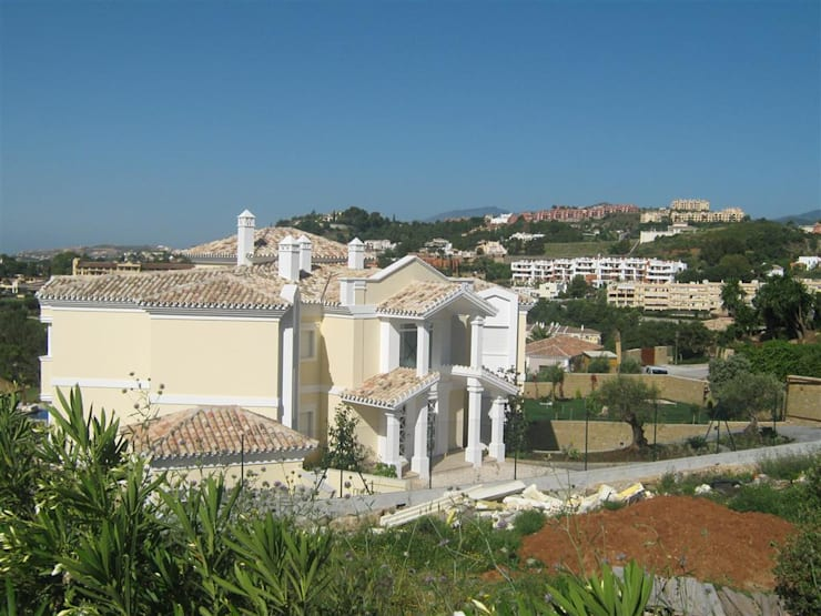 Maisons de style de style Méditerranéen par UAArquitectos