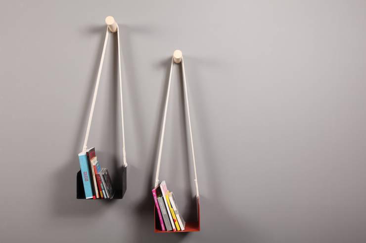 Mecapal Librero: Hogar de estilo  por Natural Urbano