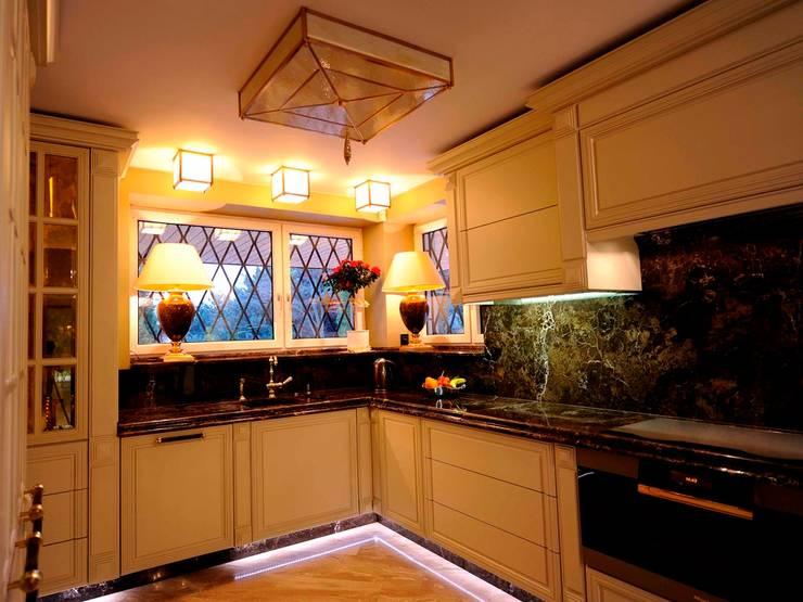 Kuchnia z kamiennym blatem : styl , w kategorii Kuchnia zaprojektowany przez Szafawawa