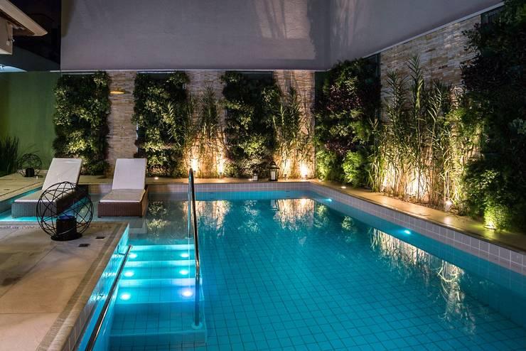 Pool by Nadia Takatama arquitetura e interiores