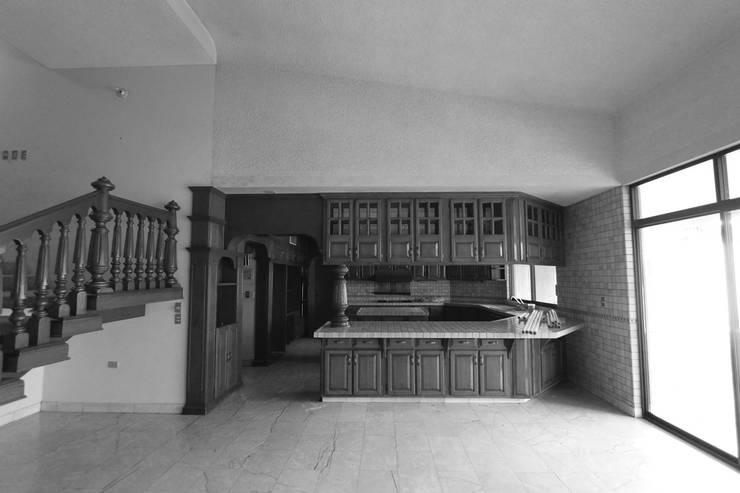 Cocina Estado Original: Cocinas de estilo moderno por Juan Luis Fernández Arquitecto