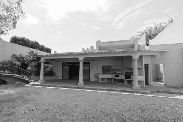 Patio y Terraza Estado Original: Terrazas de estilo  por Juan Luis Fernández Arquitecto