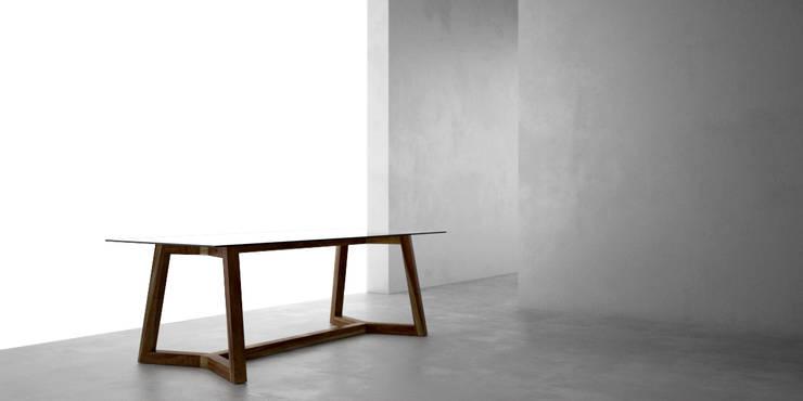 Mesa de comedor doble T: Comedores de estilo moderno por Forma muebles