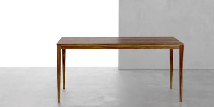 Mesa de comedor classic: Comedores de estilo moderno por Forma muebles