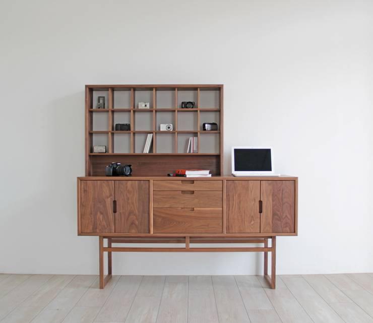 Salas de estilo moderno por ムラサワデザイン MURASAWADESIGN