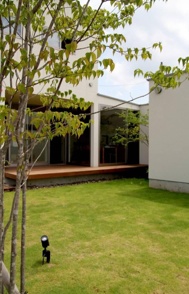 ここちの家: LIVING DESIGNが手掛けた庭です。