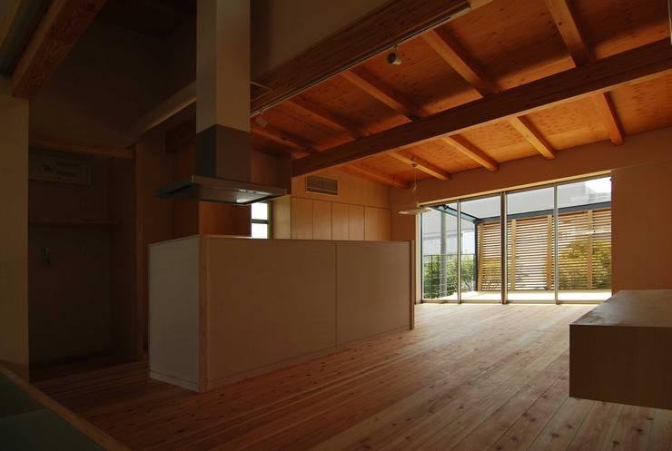 キッチン: 原 空間工作所 HARA Urban Space Factoryが手掛けたキッチンです。