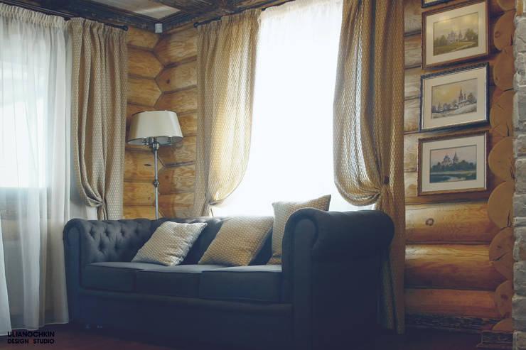 Деревянный дом : Гостиная в . Автор – ULJANOCHKIN DESIGN*STUDIO,