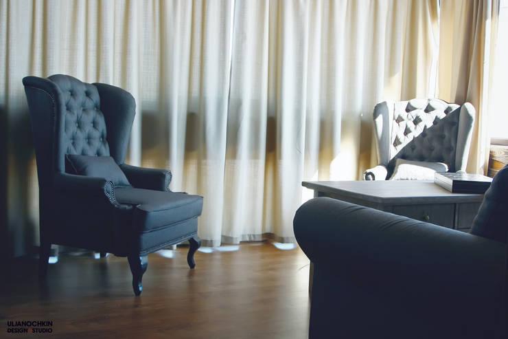 Деревянный дом : Гостиная в . Автор – ULJANOCHKIN DESIGN*STUDIO