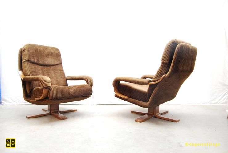 swivelchairs velvet corduroy upholstery / 80's:  Woonkamer door De gele etalage