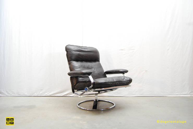 Vintage design fauteuils / armchairs:  Woonkamer door De gele etalage