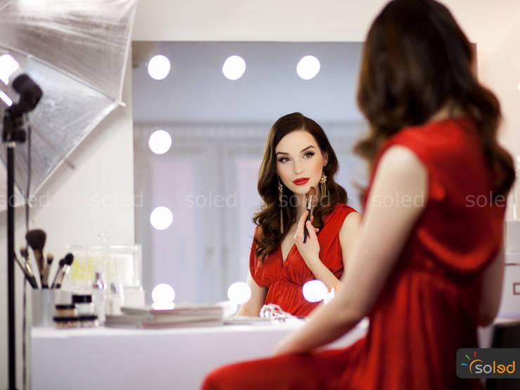 Lustra LED Soleda Make Up marki Soleda Mirror - na wymiar: styl nowoczesne, w kategorii Spa zaprojektowany przez SOLED Projekty i Dekoracje Świetlne Jacek Solka