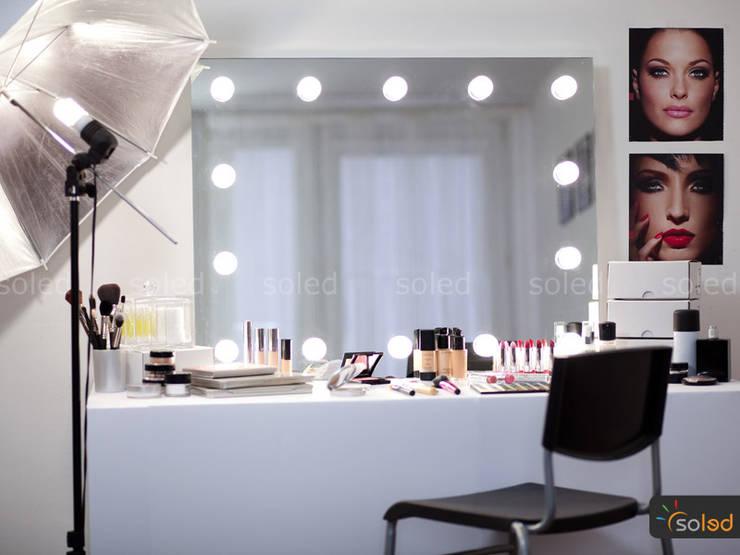 Lustra LED Soleda Make Up marki Soleda Mirror – na wymiar: styl nowoczesne, w kategorii Spa zaprojektowany przez SOLED Projekty i Dekoracje Świetlne Jacek Solka
