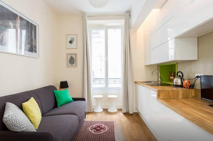 Découverte d'une petite surface de 12 m² parfaitement optimisée et ultra confort:  de style  par Zahara Dabo Architecture d'Intérieur