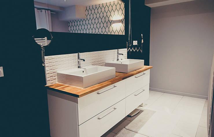 SALLE DE BAIN: Salle de bains de style  par ATELIER ARTEFAKT