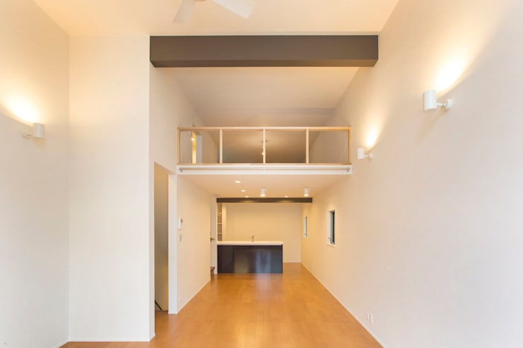 Living room by 秦野浩司建築設計事務所, Modern