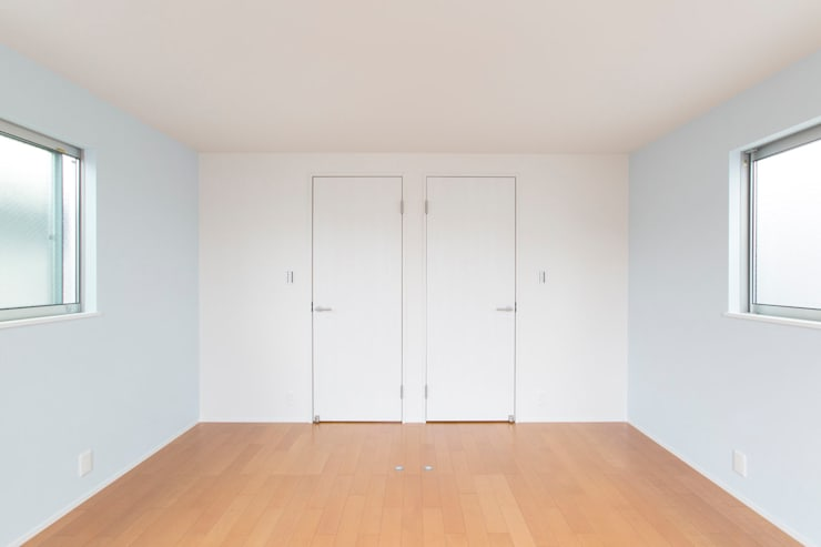 子供部屋: 秦野浩司建築設計事務所が手掛けた子供部屋です。