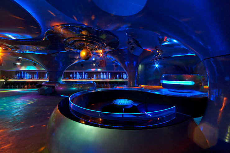 Bares y Clubs de estilo  por Inverse Lighting Design ltd.
