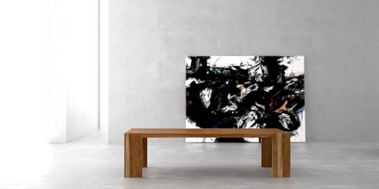 Mesa ratona solid: Livings de estilo  por Forma muebles,
