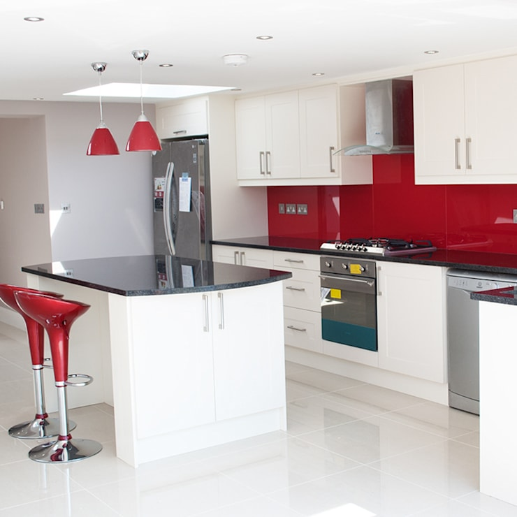 The Cranford Refurb : modern Kitchen by The Market Design & Build