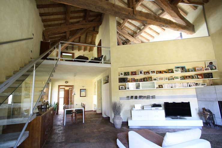 Salones de estilo  de ARCHITETTO FRANCA DE GIULI