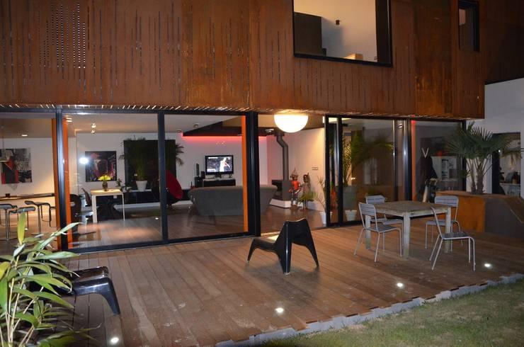 Maison Loos: Terrasse de style  par C+BO
