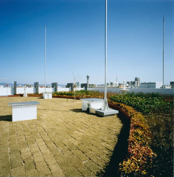 屋上緑化: あお建築設計が手掛けた庭です。