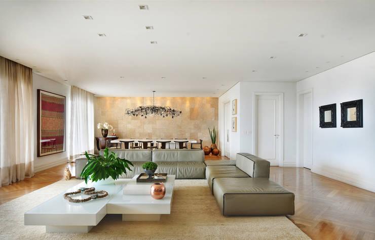 Salas de estilo  por Thaisa Camargo Arquitetura e Interiores