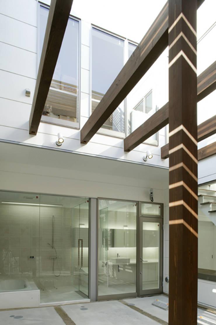 中庭: ツジデザイン一級建築士事務所が手掛けた庭です。