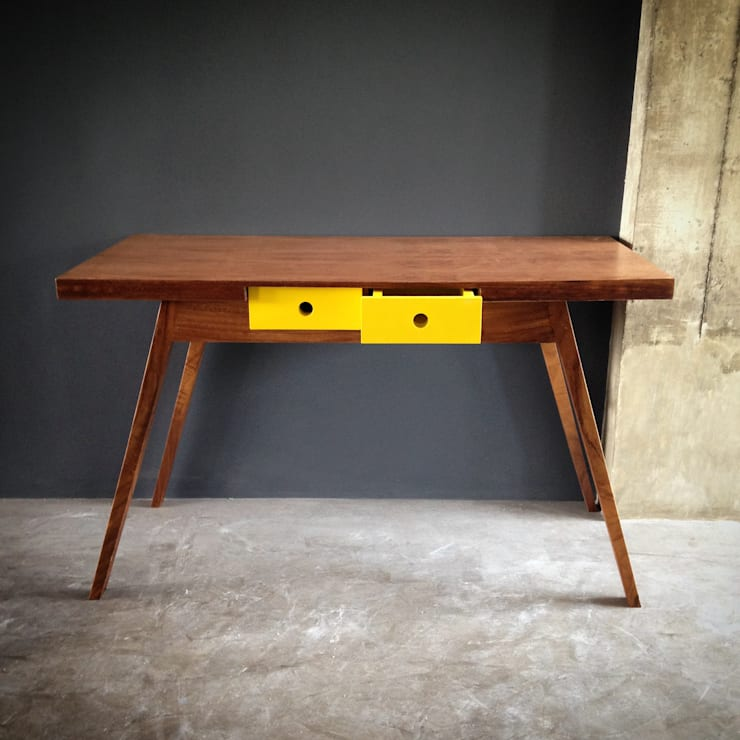 Low Tech: Estudio de estilo  por Lilk muebles