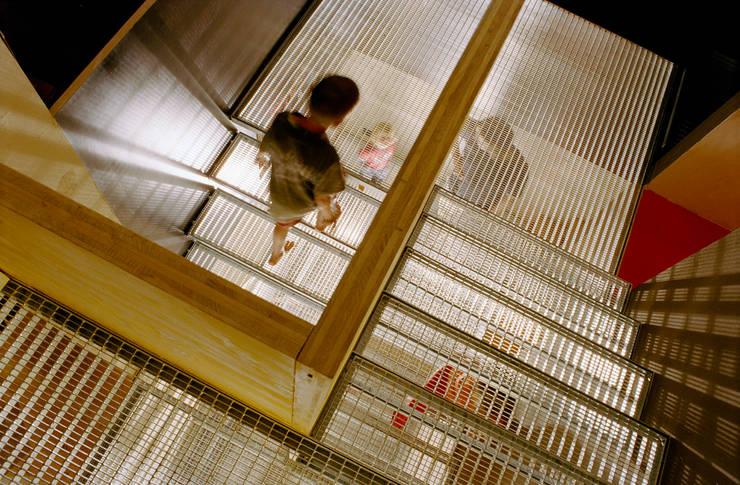 steel grating stairs Modern Corridor, Hallway and Staircase by allmermacke Modern Iron/Steel
