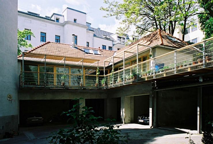 courtyard view Modern Houses by allmermacke Modern