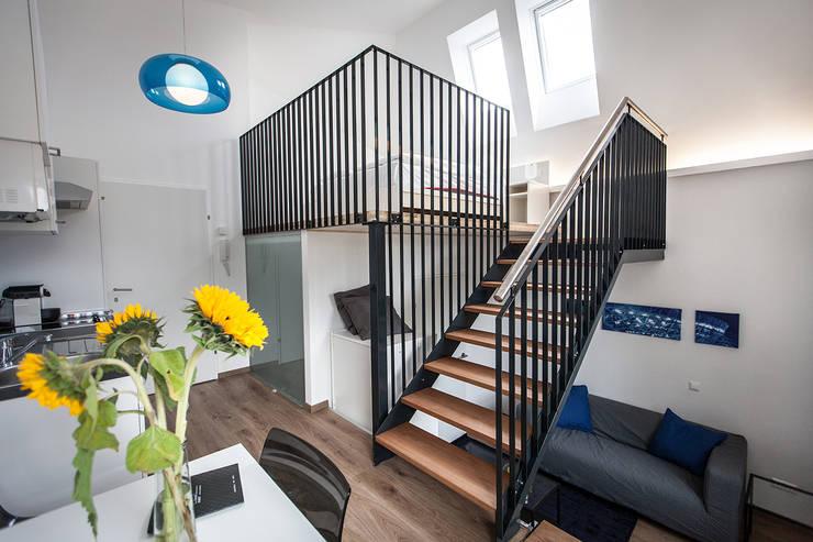 Studio Blu:  Schlafzimmer von Florian Schober Architektur ZT