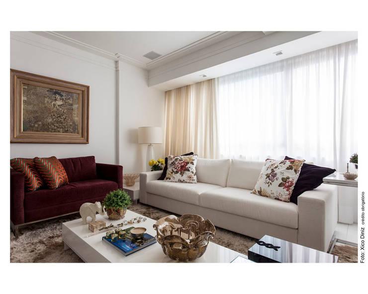 Clássico Limpo: Salas de estar  por Cristiane Pepe Arquitetura