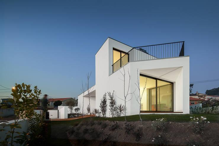 moderne Huizen door PEDROHENRIQUE|ARQUITETO