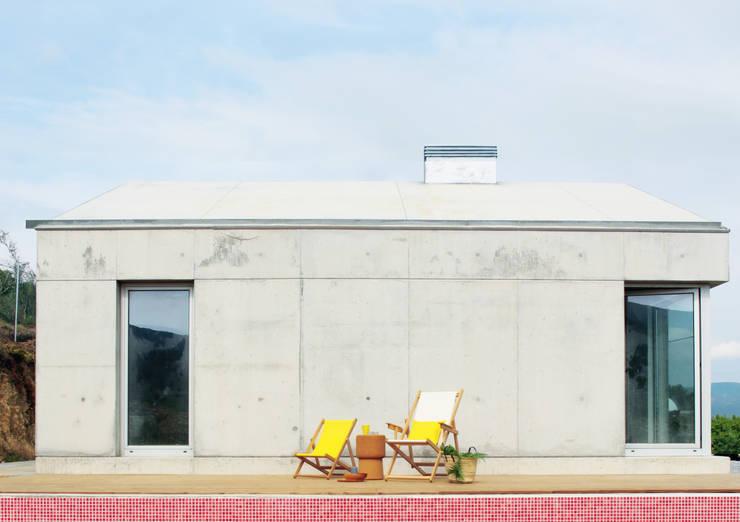 Casa P+F: Terraços  por Artspazios, arquitectos e designers