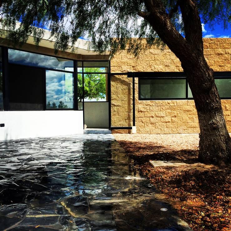 Terraza.: Terrazas de estilo  por Paramétrica Arquitectos