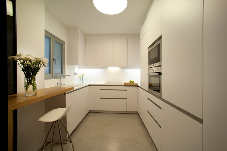 Kitchen by MADG Architect