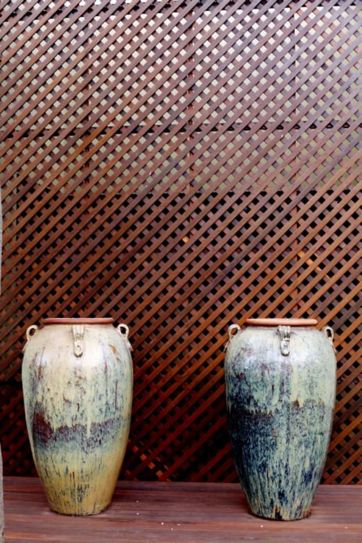 Detalhe em Muxarabi: Casas  por RABAIOLI I FREITAS