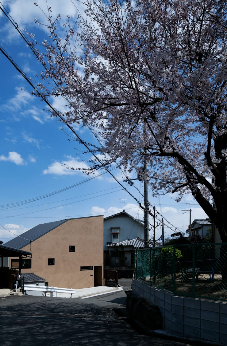 モグラハウス: 藤森大作建築設計事務所が手掛けた家です。